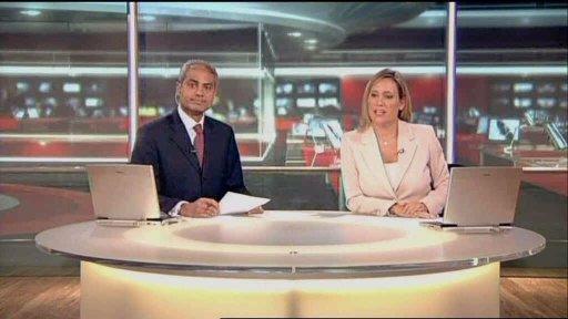 Bringing Sparkles (Part 4) BBC_NEWS_-_2003_-_News_at_Six_-_Top_Stories_-_24112003_-_DVD30000-01a